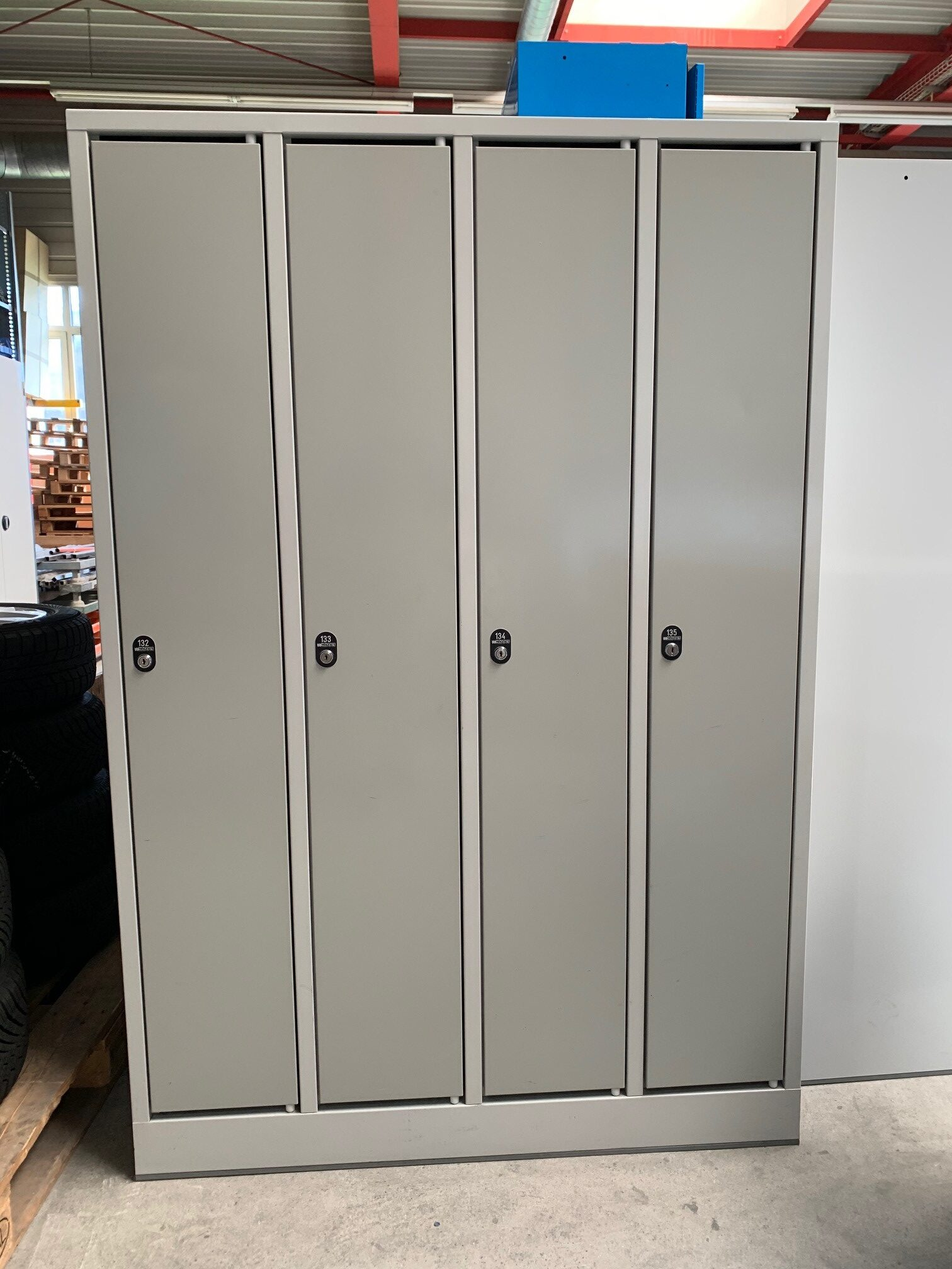 Sale - schrank1 rotated