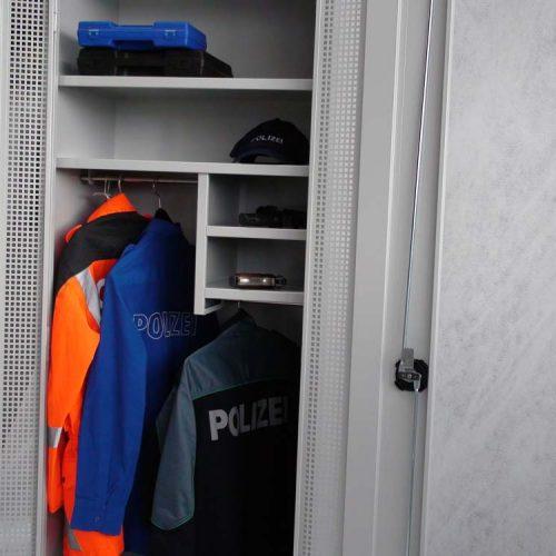 polizei-schrank-schweiz-0002